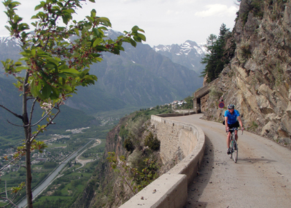 Riding aroud Alpes D'Huez